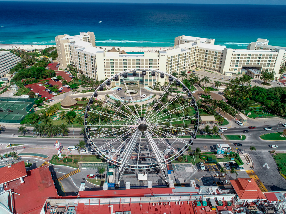 must-take-pictures-in-cancun-ferris-wheel