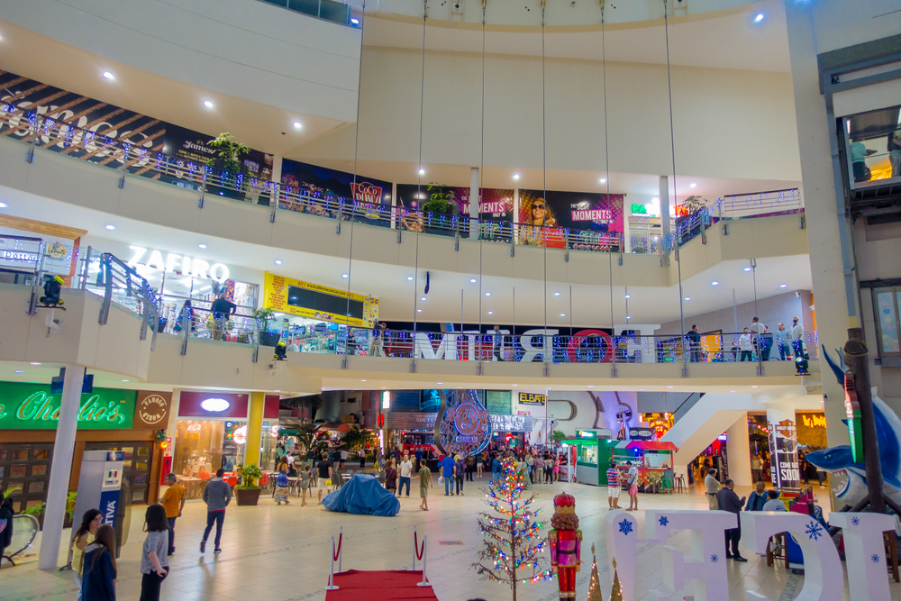 three-malls-you-should-visit-in-cancun