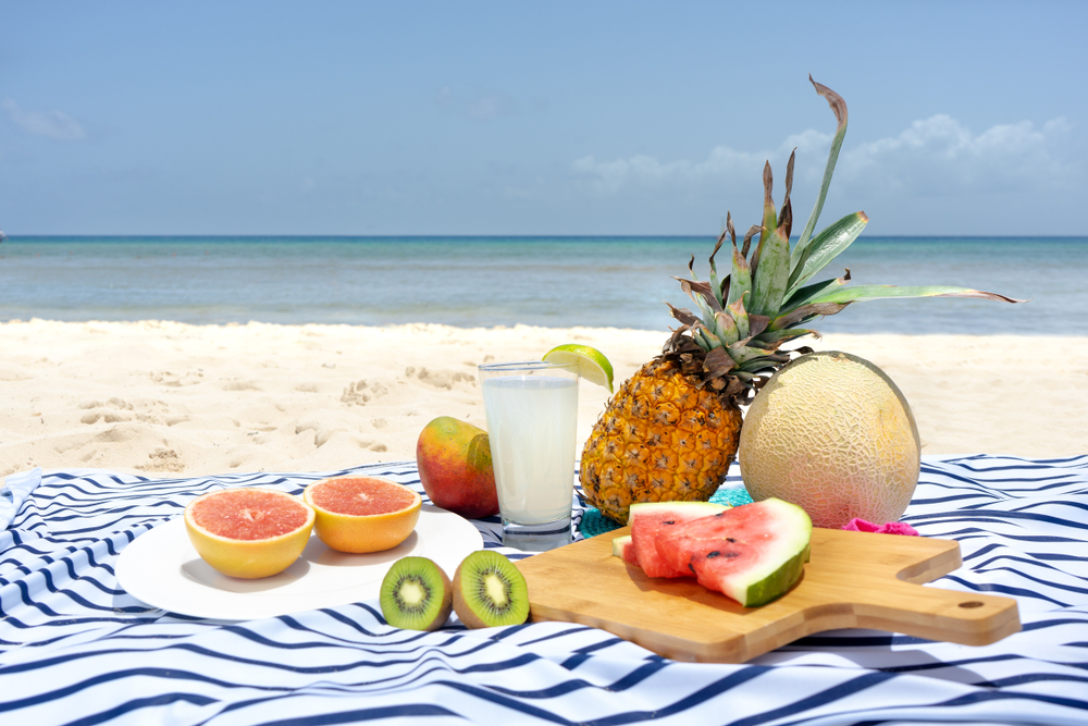 How to have a romantic picnic in Cancun