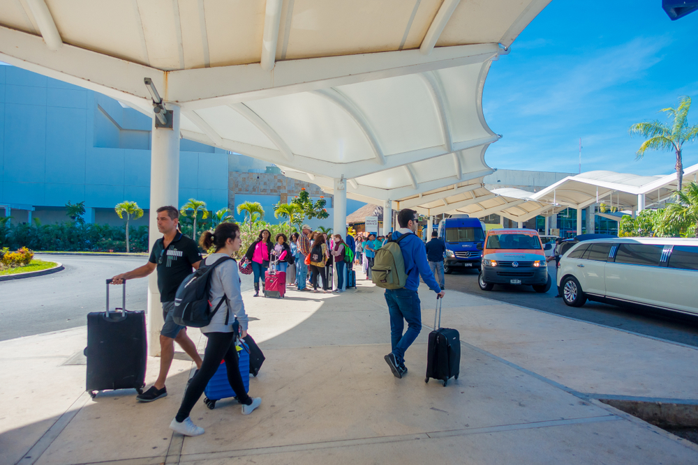 how to get from cancun airport to the city